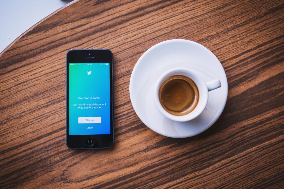 12 Twitter Lists Every B2B Marketer Needs