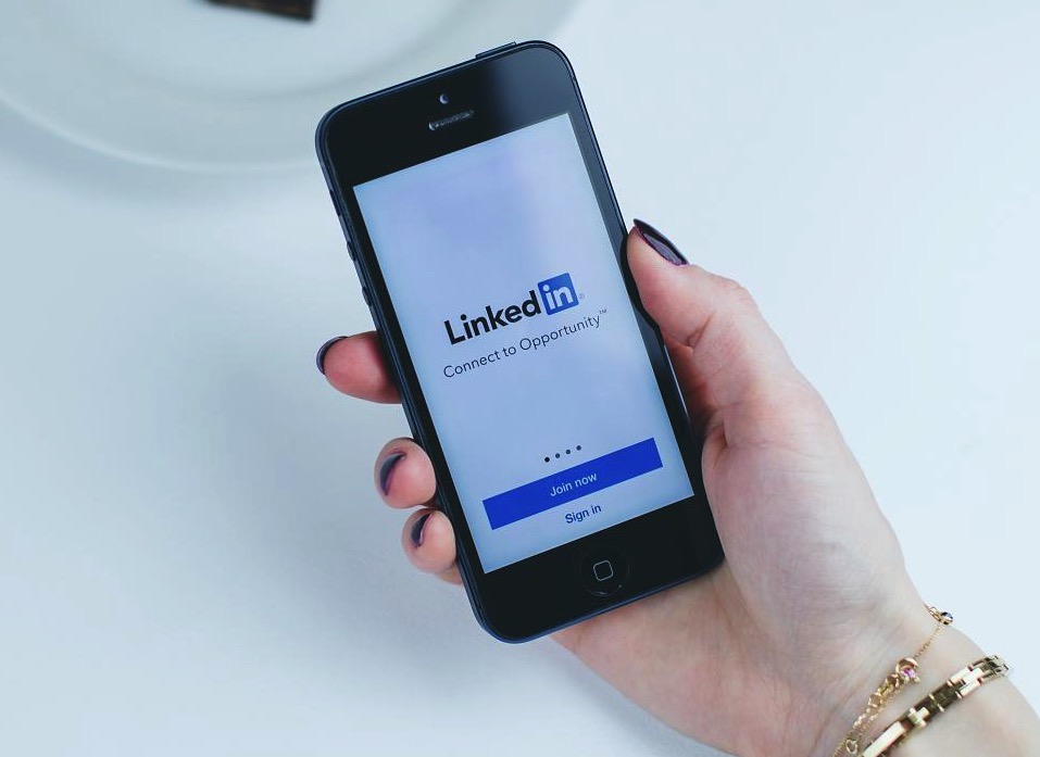 LinkedIn Aiming to Power Social Sharing + Lead Gen with Elevate Offering