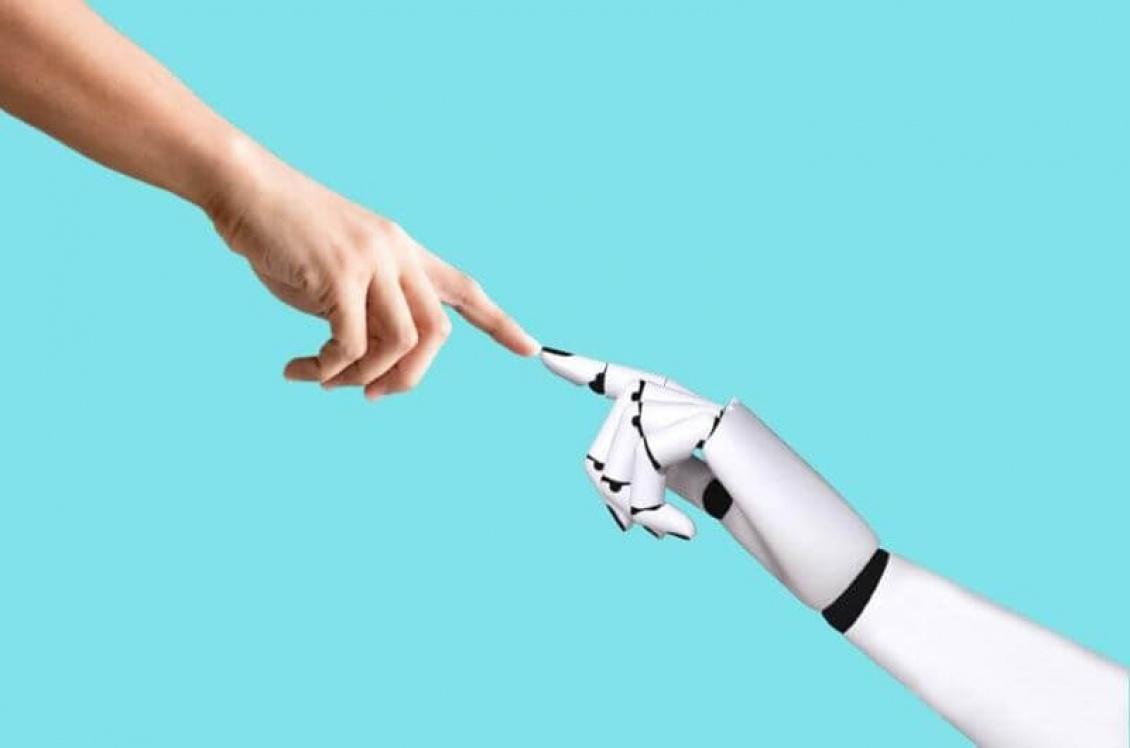 Why Business Must Strike a Balance with AI and Emotional Intelligence